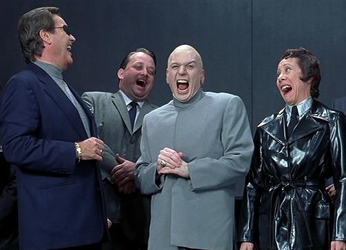 Pak Harto Tertawa dan Hadirin Ikut Tertawa