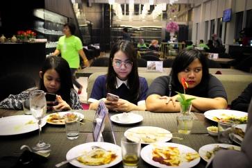 Calista, Clara, and Sari