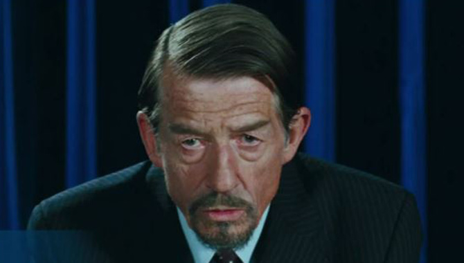 john-hurt-v-for-vendetta-still-670-380
